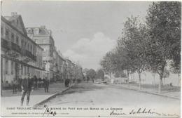 CPA - PAUILLAC - AVENUE DU PORT SUR LES BORDS DE LA GIRONDE - ANIMEE - 1903 - Pauillac