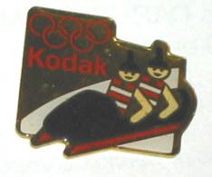 Pin's KODAK OLYMPIQUE, BOBSLEIGH - Fotografie