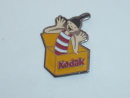 Pin's KODAK, JACK IN THE BOX - Fotografie