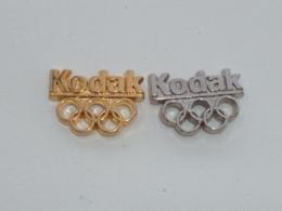 Pin's KODAK, SPONSOR OLYMPIQUE, ARGENT ET DORE - Fotografie