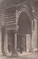 Carte Postale Ancienne Des Hautes-Alpes - Embrun - Porche De La Cathédrale - Embrun