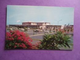 CPA AEROPORT INTERNATIONAL DE TAHITI FAAA VOITURES ANCIENNES - Frans-Polynesië