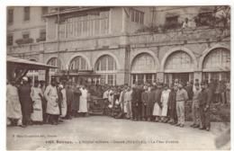 Rennes 1916 - Hôpital Militaire - La Cour D'entrée - SSA - édit. Mary-Rousselière 1068 - Médecine Armées - Rennes