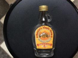 BOUTEILLE  SIROP D'ERABLE  Bernie's Maple Farm  ORIGINE CANADA - Andere Verzamelingen