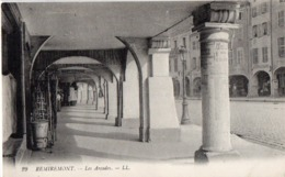 CP 88 Vosges Remiremont Les Arcades 29 LL - Remiremont