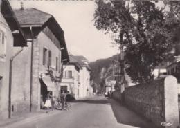 CPSM.  15 X 10,5  -  SCIONZIER  - 6102 -  Rue De La Libération - Scionzier