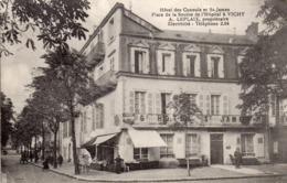 03 VICHY Hôtel Des Consuls Et St James Place De La Source De L'hôpital à Vichy. A. LEPLAIX Propriétaire Electricité, Tél - Vichy