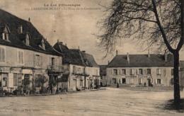 9505-2019    LABASTIDE MURAT    LA PLACE DE LA GENDARMERIE - Other Municipalities