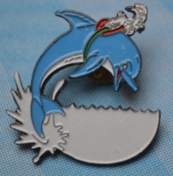 Rare Pin's Parc Asterix Idéfix Sur Dauphin - BD