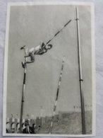 Foto Cromo Olimpiada De Los Ángeles. 1932. Nº 48. Salto Con Pértiga, Jefferson, USA. Hecho En 1936 Para Olimpiada Berlín - Tarjetas