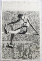 Foto Cromo Olimpiada De Los Ángeles. 1932. Nº 68. Salto De Altura, Carolina Gisolf, Holanda. Hecho En 1936 Para Berlín - Tarjetas