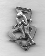 Pin's, Broche  ARTHUS  BERTRAND  Argent, Sport  SKI  E.S.F  LA  FLECHETTE - Wintersport