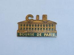 Pin's BOURSE DE PARIS A - Banks