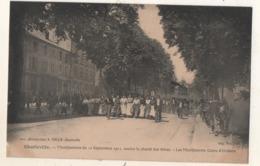 Charleville Manifestation Du 11 Septembre 1911 Le Citoyen Boutet Exhortant Le Groupe De Braux Au Calme - Charleville