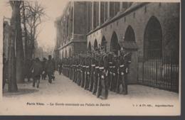 PARIS VÉCU - La Garde Montante Au Palais De Justice (animée) - Altri