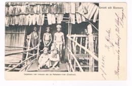 ASIA-1502   BORNEO : Dajakkersmet Vrouwen Aan De - Indonesia