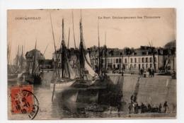 - CPA CONCARNEAU (29) - Le Port 1910 - Déchargement Des Thonniers - Edition Leroux - - Concarneau