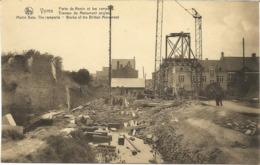 YPRES-IEPER - Porte De Menin Et Les Remparts - Travaux Du Monument Anglais - N'a Pas Circulé - Ieper