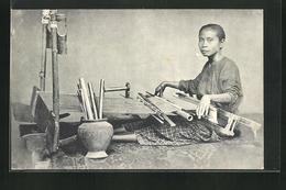 AK Indonesien, Frau Beim Weben - Ethniques & Cultures