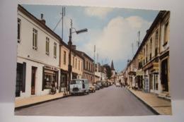 ST-MEDARD-en-JALLES   -  La Rue Principale  - AUTOMOBILES   - ( Pas De Reflet Sur L'original ) - Otros Municipios