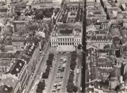 SAINT-ETIENNE (42). Place De L'Hôtel De Ville Et L'Hôtel De Ville. (Pilote-Opérateur: R. Henrard) - Saint Etienne