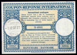 DANEMARK / DENMARK Lo16n 75 ÖRE International Reply Coupon Reponse Antwortschein IRC IAS O K'HAVN LUFTHAVN 7.12.58 - Enteros Postales
