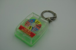 Vintage KEYCHAIN : GAMBLING GAME LOTTO KITCH SPIN LUCKY -  RaRe - 19**'s - Porte-cles - Porte-clefs