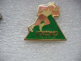Pin's KOKOMO, Fabricant De Pin's - Pin's