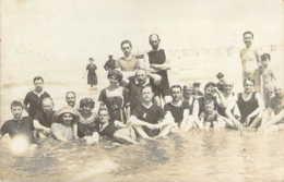 14 CALVADOS Carte Photo D'un Superbe Groupe De Baigneurs à TROUVILLE Sur Mer En 1911 - Trouville
