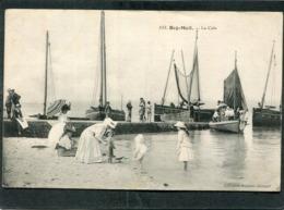 CPA - BEG MEIL - La Cale, Bien Animé - Bateaux De Pêche - Beg Meil