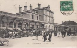 CPA Grenoble - La Gare (jolie Scène Avec Nombreux Attelages) - Grenoble