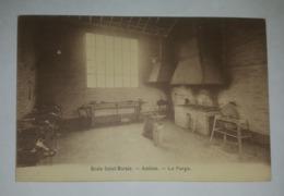 Amiens - Ecole Saint Martin - La Forge, Établi, Enclume - Carte En Bel état - Editions Universitaires Tourte Et Petitin - Amiens