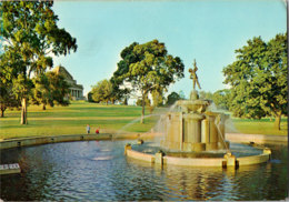 Kt 058 / Robertson Fountain, Melbourne - Melbourne