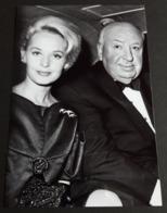 ALFRED HITCHCOCK & TIPPI HEDREN # Portrait # Star-Photo, Ca. 12,5 X 19 Cm # [19-3638] - Fotos