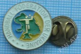 UKRAINE / Badge, Pin / Handball. National Federation. Föderation. - Handball