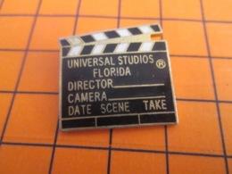 1319 Pin's Pins : BEAU ET RARE : Thème CINEMA / CLAP DE CINEMA UNIVERSAL STUDIO FLORIDA - Cinema