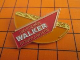 1319 Pin's Pins : BEAU ET RARE : Thème ALIMENTATION / FROMAGE A RACLETTE WALKER Pas Texas Ranger - Levensmiddelen