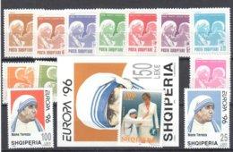 Albania Various Mother Teresa Stamps All Mnh ** 23.5 Euros - Mutter Teresa