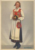 78-372 Norway Romsdal Types  National Costumes Trachten - Noorwegen