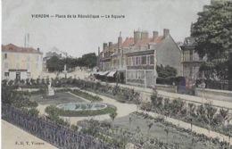 CPA De VIERZON  - Place De La Répubique - Le Square - Vierzon