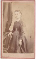 Photo. C.D.V. : Femme En Pose : - Photo - A. MAURICE - Valence - Drome - - Anciennes (Av. 1900)