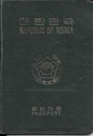 PASSPORT PASAPORTE PASSAPORT PASSAPORTO REPUBLIC OF KOREA ISSUED 1988 FEMENINO TRES BON ETAT - Historical Documents