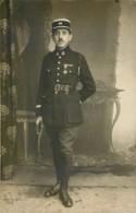 Carte Photo D'un Soldat Officier Du 20e RI - Croix De Guerre - Uniforms