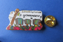 Pin's,musique,instrument,accordeon,Ländlerfründe Höhragen,Handorgel,folklorique - Musica