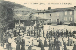 CPA 69 Rhône Yzeron La Procession De La Fête Dieu Epicerie Lyonnaise - France