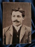 Photo Format Cabinet Sans Mention - Beau Portrait Homme à La Belle Moustache Circa 1890 L473 - Oud (voor 1900)