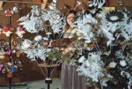 4206 CPM Brazey En Plaine - Mlle Nigrowski, Confectionne Fleurs, Broche, Tableaux En Plume Naturelles - France