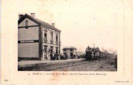 62: MARCK Interieur De La Gare Arrivee D Un Train Calais Dunkerque - Andere Gemeenten