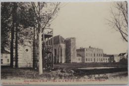 Grisy-Suisnes (S.-et-M.) - Place De La Mairie Et Restes De L'ancienne Eglise - Autres Communes