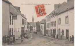CPA CHÂTEAUNEUF-DU FAOU (29) GRANDE RUE - ANIMEE - Châteauneuf-du-Faou